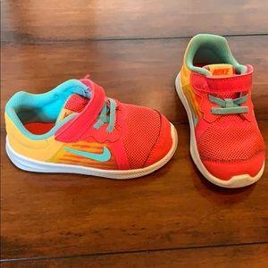 Little girls tennis shoes